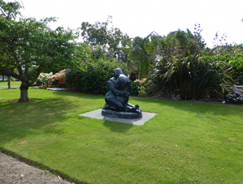 Ashburton, Skulptur im Park