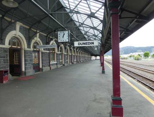 Bahnhof von Dunedin, Bahnsteig