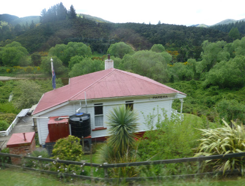 Dunedin. Taeri Gorge, Parera 1