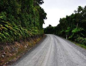 Gravel Road zu den Purakaunui Falls