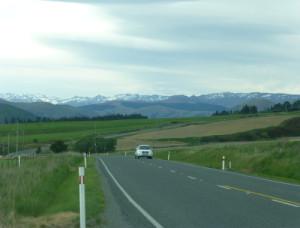 in Richtung Lake Wakatipu und Queenstown