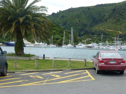 Picton NZ. Parkplatz am Hafen 3