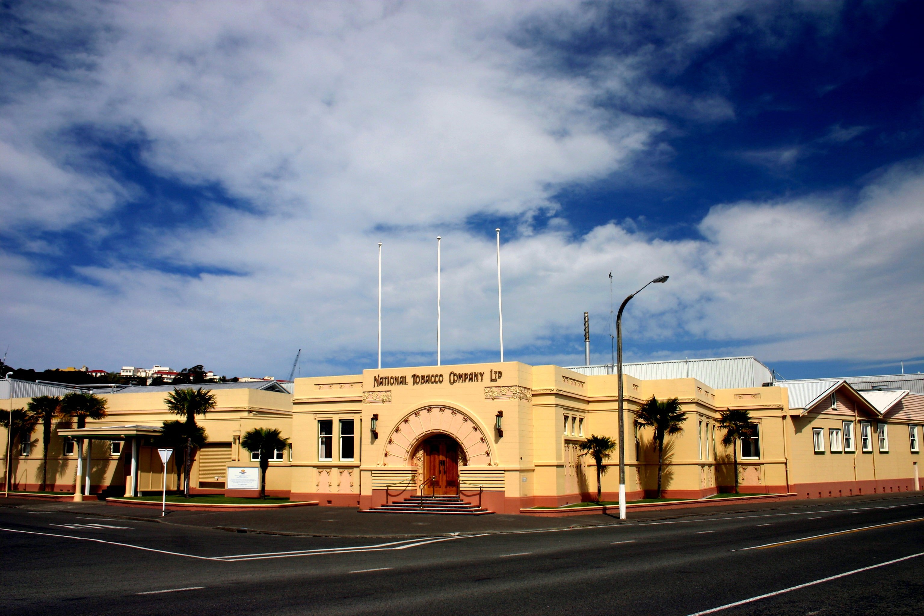 Weit weg Reisen, Napier,National Tobacco Company