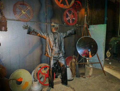 Im Steampunk HQ Oamaru 9