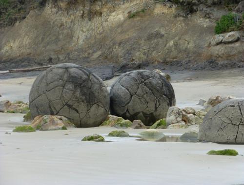 Moeraki Boulders 14