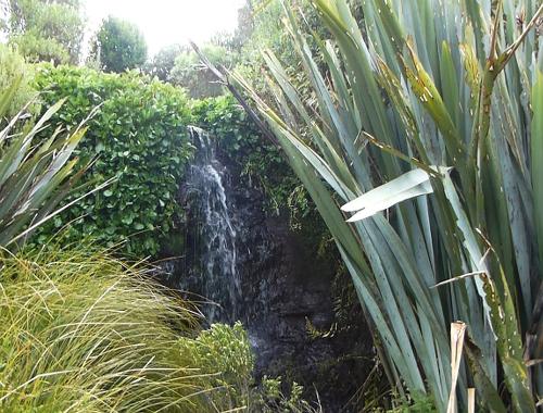 Lignite-Pit Scenic Stop, Zulauf, kleiner Wasserfall