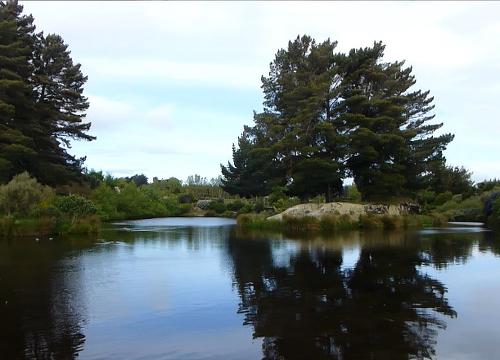 Lignite-Pit Scenic Stop, See und Insel im wunderschönen Garten