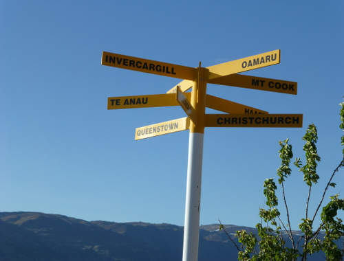 Wegweiser bei Cromwell, Neuseeland