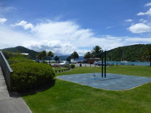Parkanlage am Hafen in Picton 3