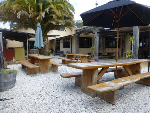 Picton, NZ, Mikeys Bar und Restaurant in der Highstreet