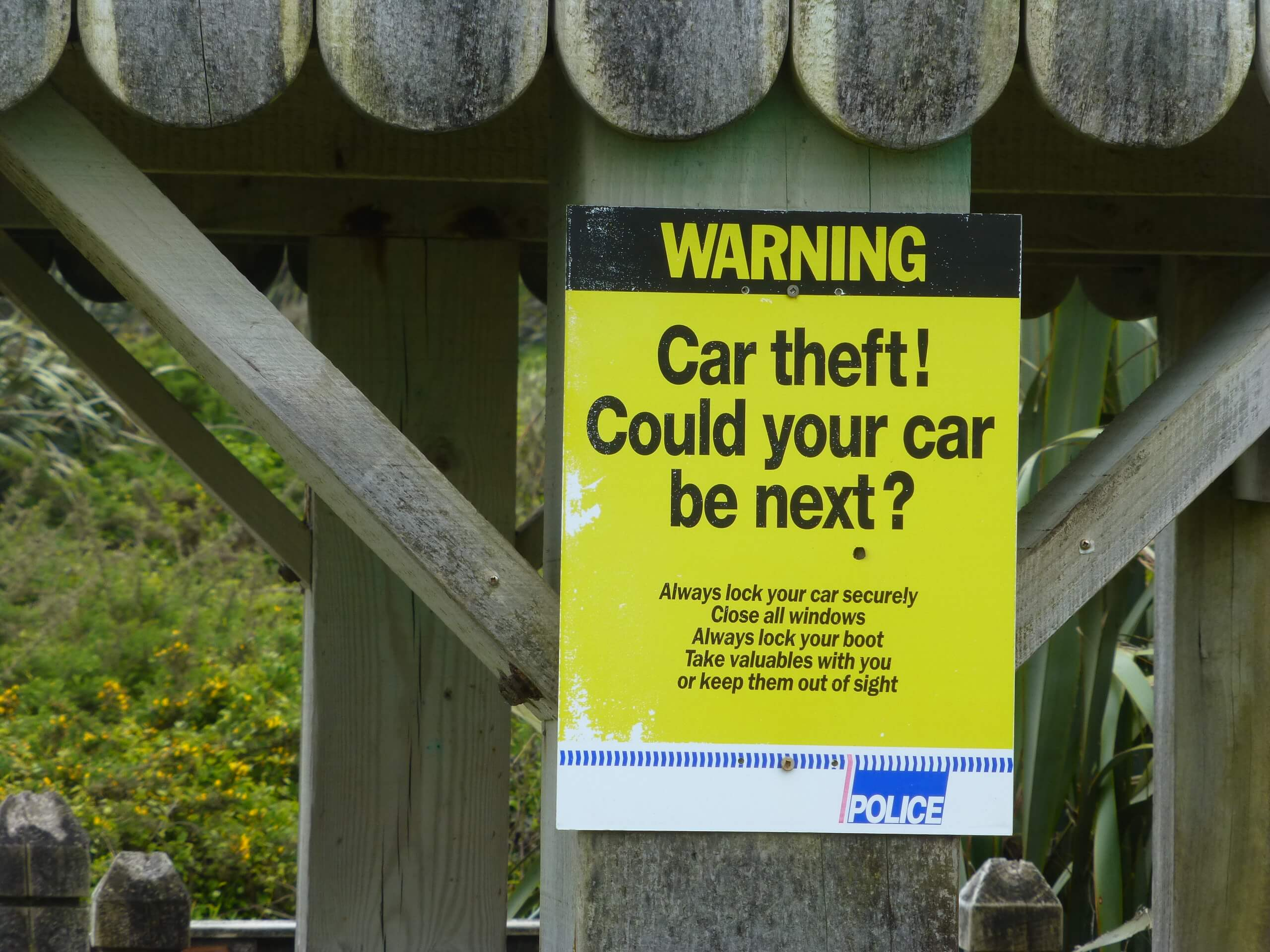 Cape Foulwind, NZ, Car theft Warning