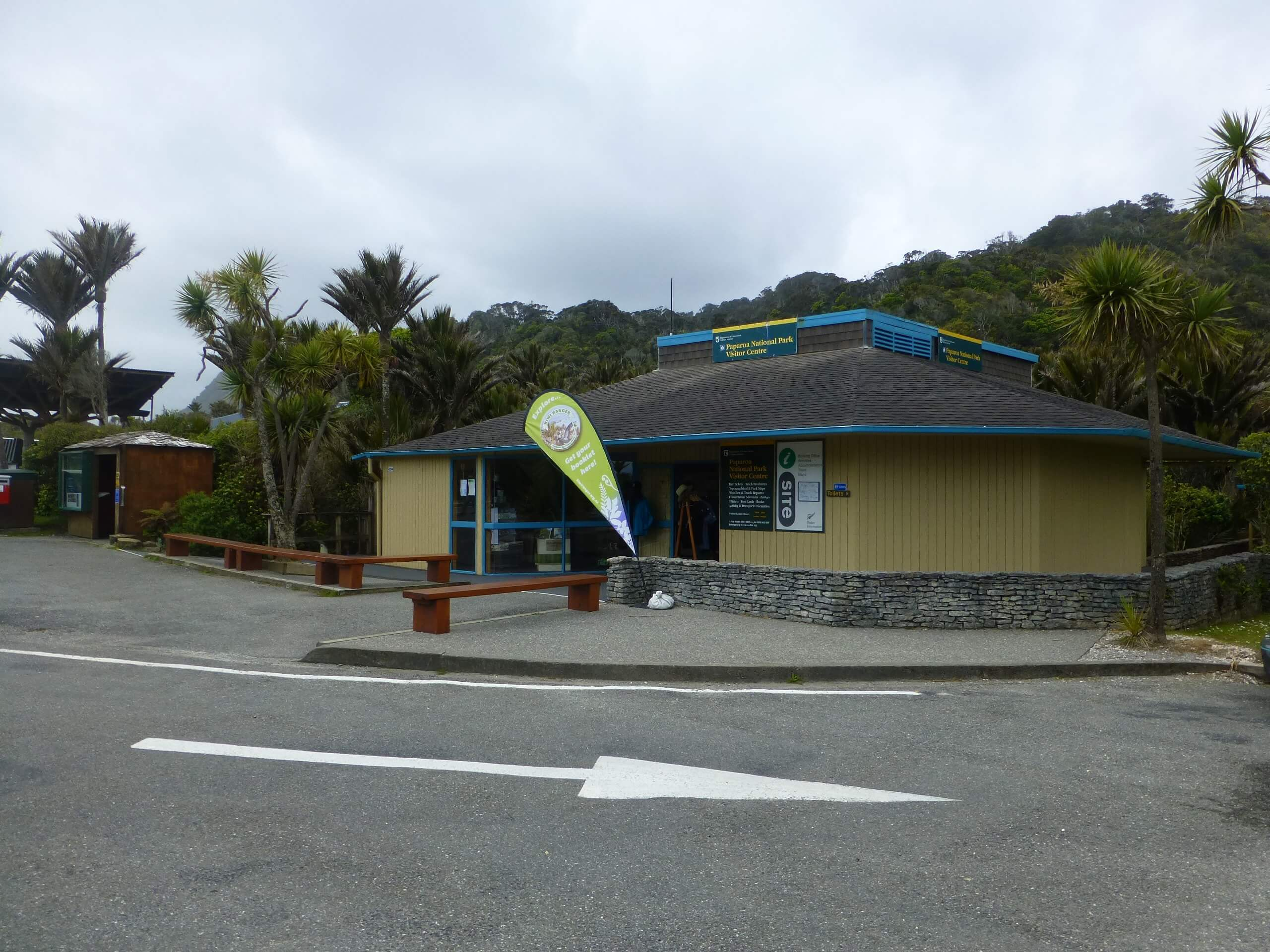 I-Site bei den Pancake Rocks, Westküste Neuseeland