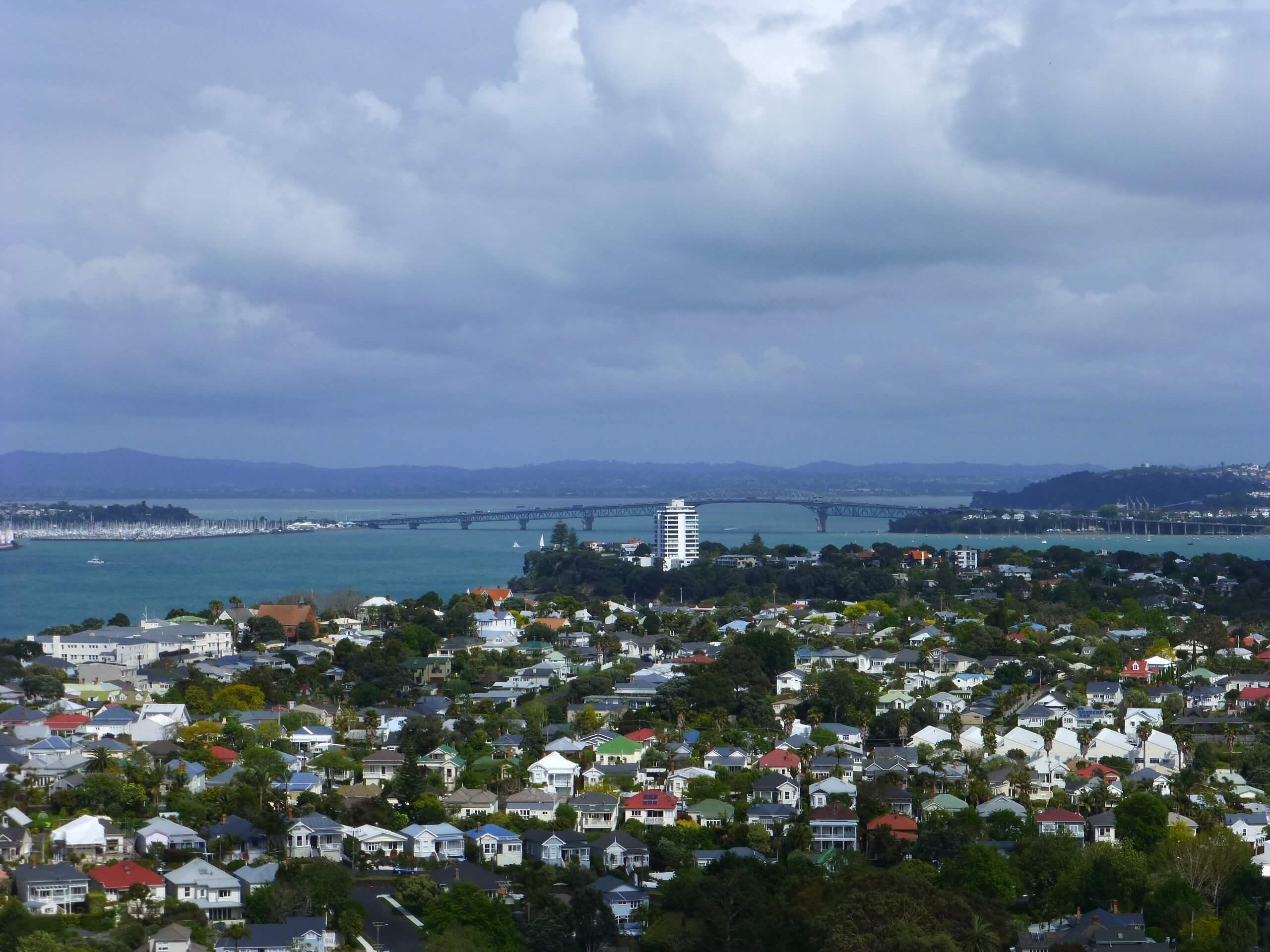 Mount Viktoria weit-weg.reisen