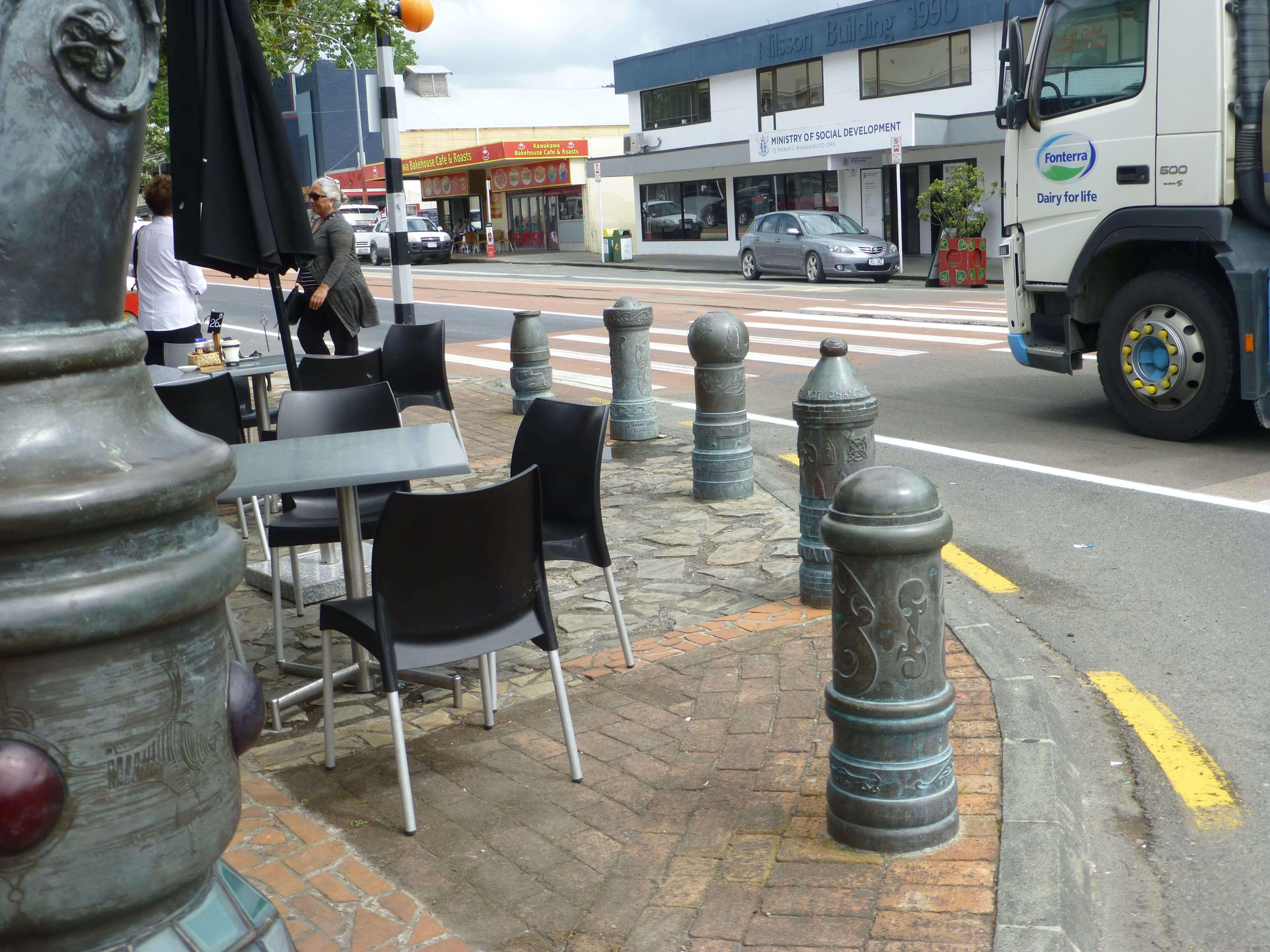 weit-weg.reisen, die Hundertwasser Toilette in Kawakawa 10