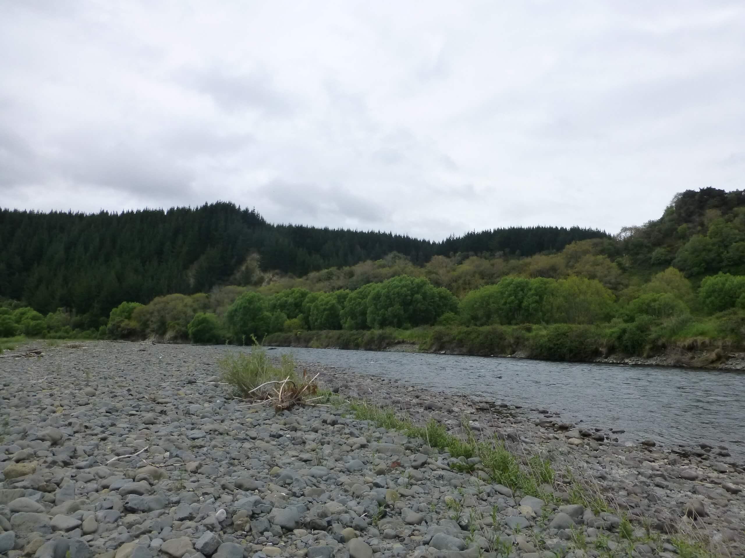 Weit weg Reisen, am Mōhaka River, vor der Mountain Valley Adventures Lodge