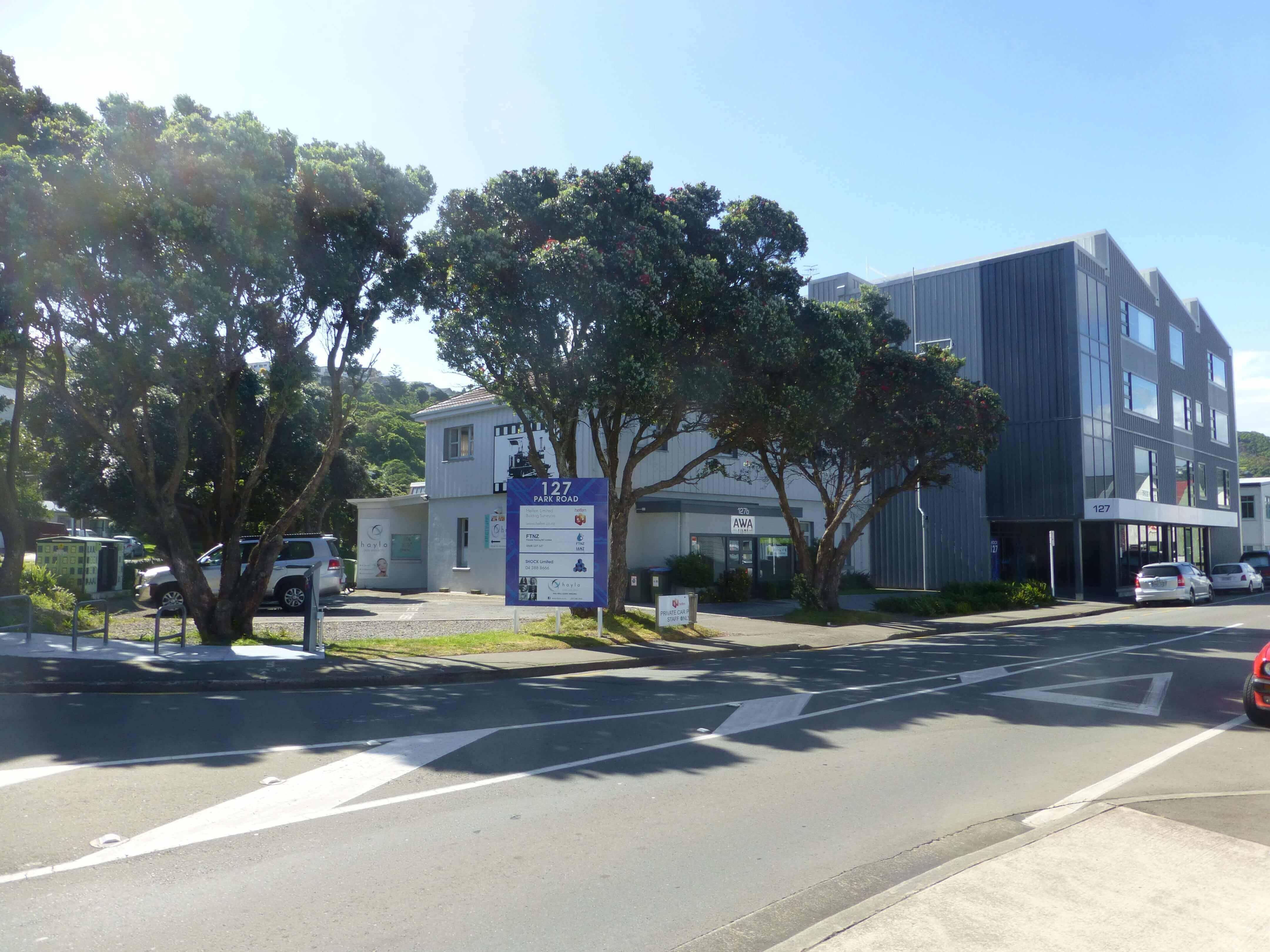 Wellington, in Miramar auf dem Weg zum Weta Shop, Weit-weg.reisen 19