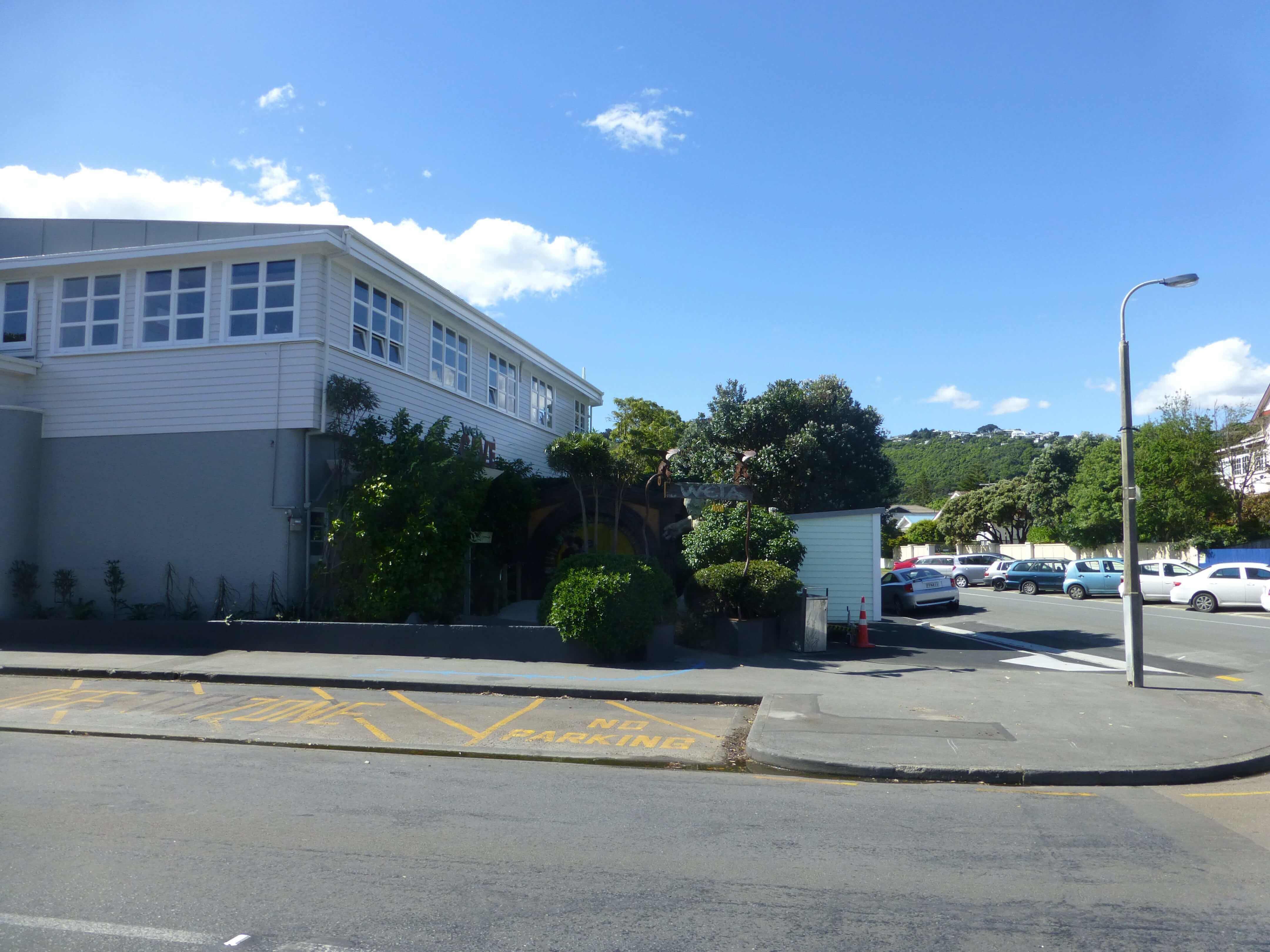 Wellington, vor dem Weta Shop, Weit-weg.reisen 5