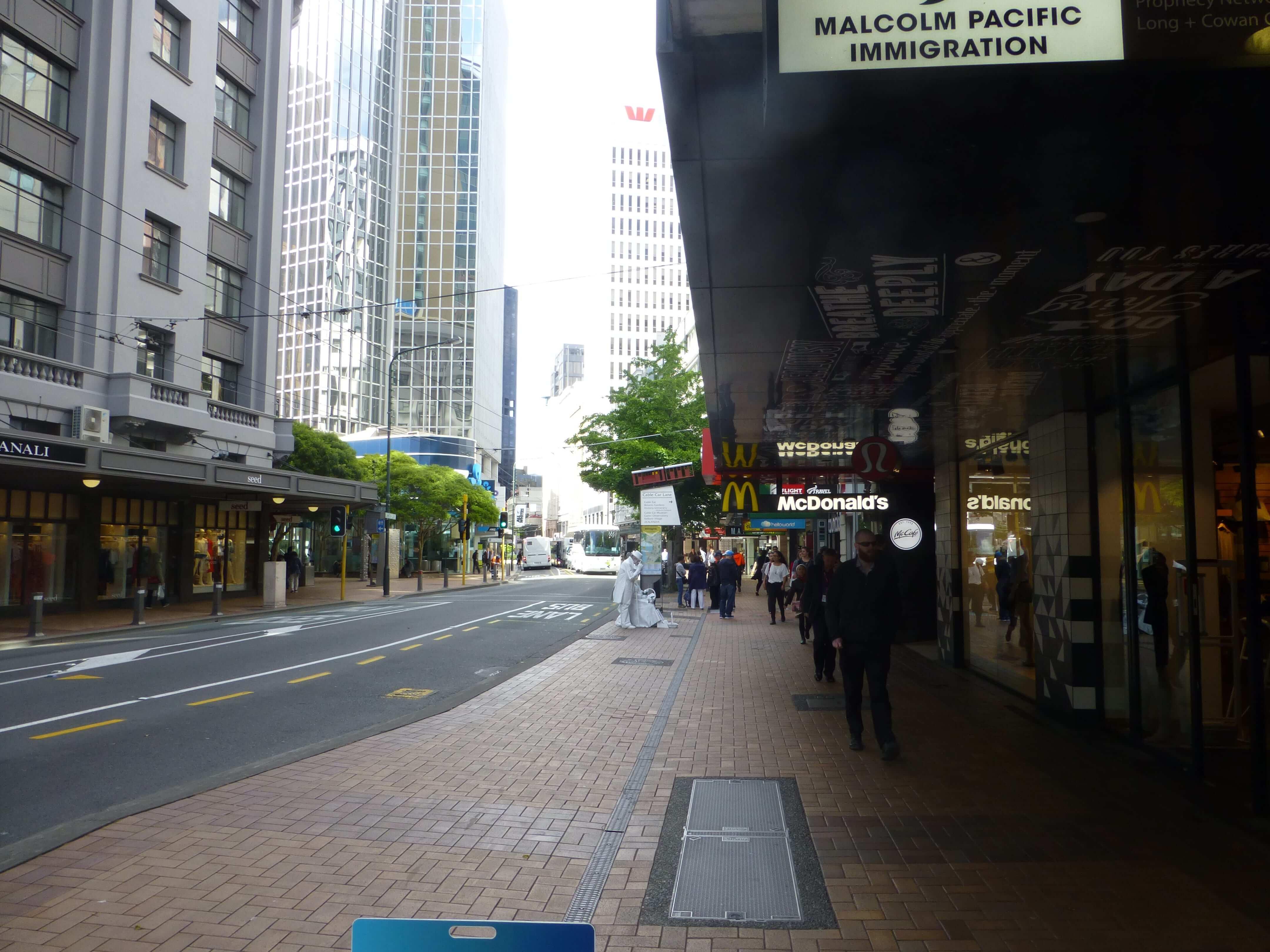 in Wellington vor der Cable Car, Weit-weg.reisen 2