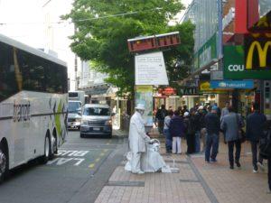 in Wellington vor der Cable Car, Weit-weg.reisen 4