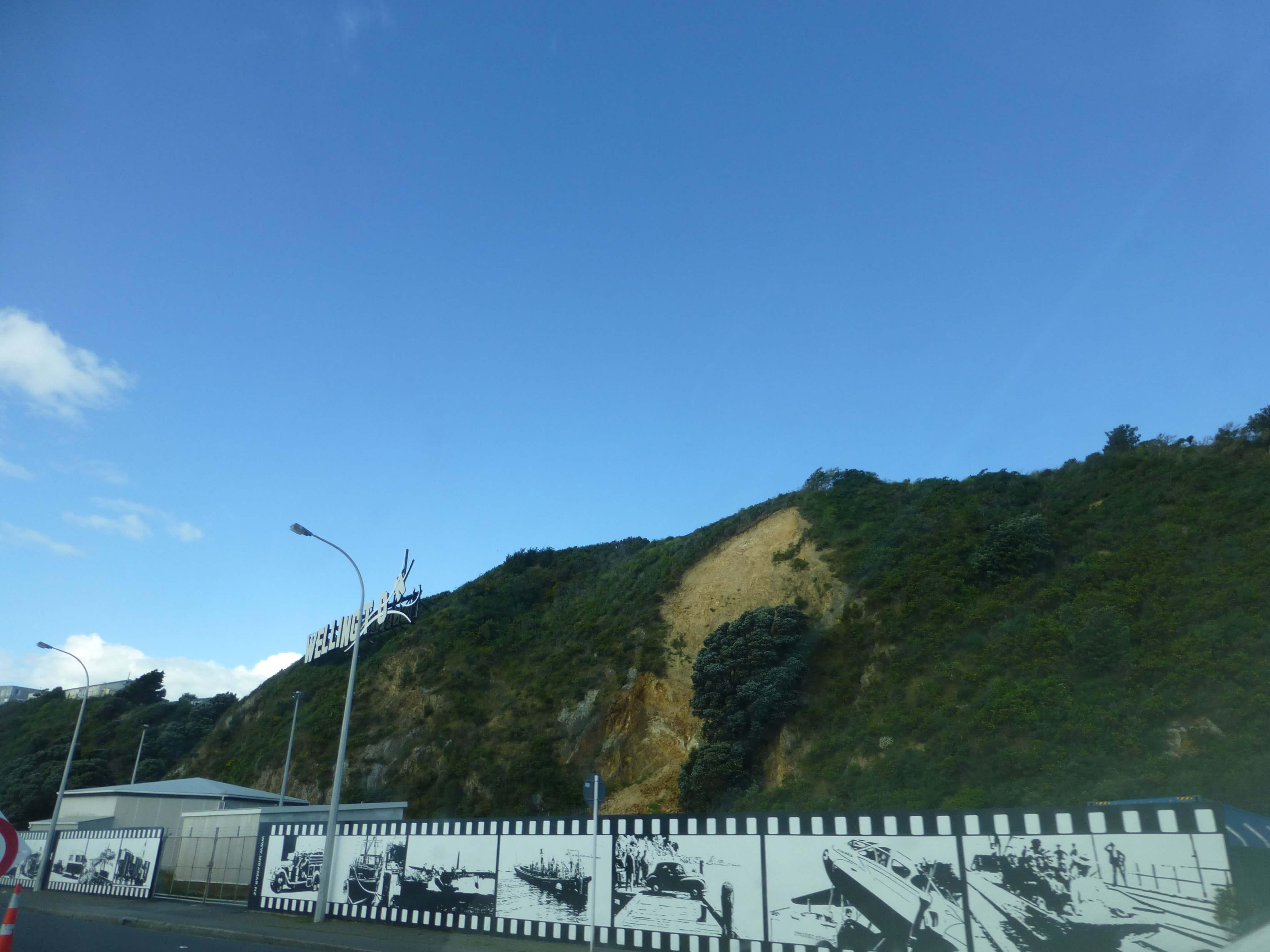 am Wellington Sign, Neuseeland, Weit-weg.reisen